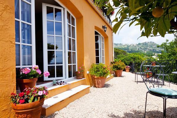Hotel Pictures: Villa Juli Guesthouse, Spéracèdes
