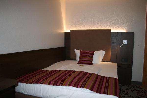 Hotel Pictures: HOTEL PARQÉO im A66, Gelnhausen