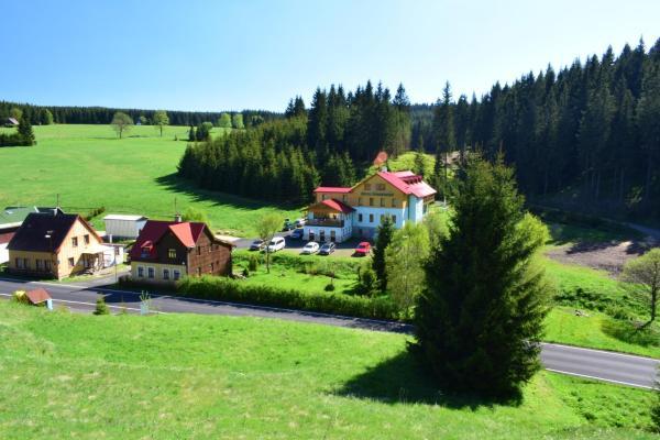 Hotel Pictures: B&B Hotel Ochsendorf, Horní Blatná
