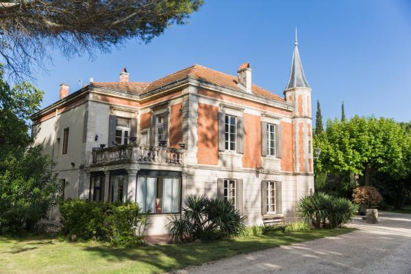Hotel Pictures: Mas d'Arvieux, Tarascon