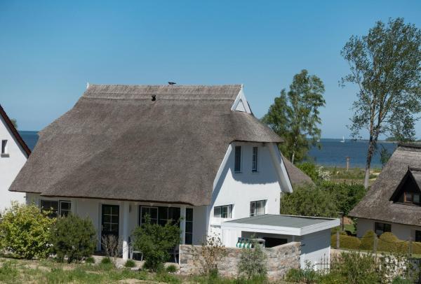 Hotel Pictures: Reetdachhaus Strandecke, Freest