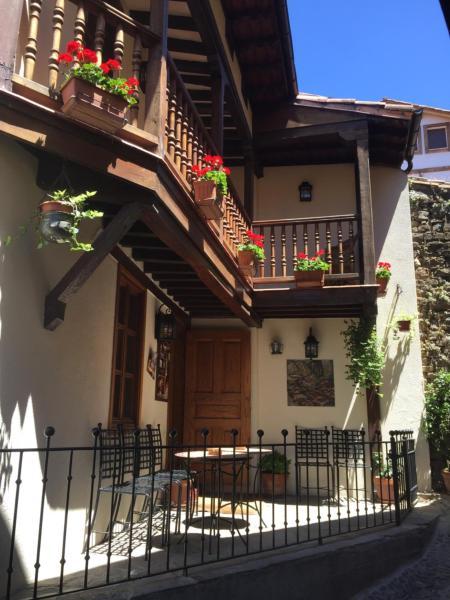 Hotel Pictures: Hostería La Antigua, Potes