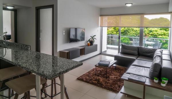 Hotel Pictures: Comfortable 2 bedroom modern apartment, San José