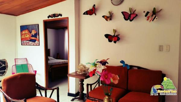 Hotel Pictures: Sierra Sounds' House, Minca