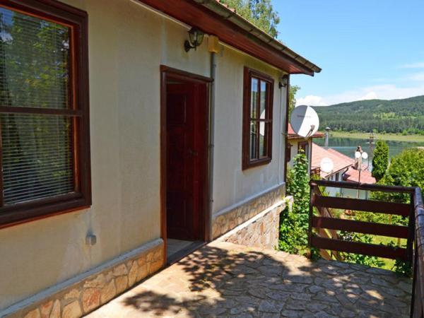 Hotel Pictures: Istrum Park Complex, Borika