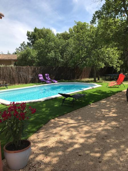 Hotel Pictures: Villa Particuliere, Saint-Saturnin-d'Apt