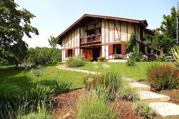 Hotel Pictures: Maison Gan Eden, Urcuit
