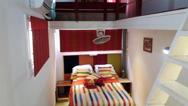 Hotel Pictures: CASA MANGO LODGE, Willemstad
