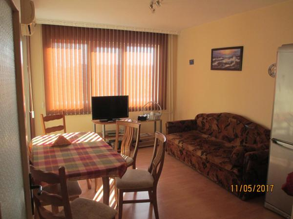 Hotel Pictures: two bedroom apartment, Burgas City