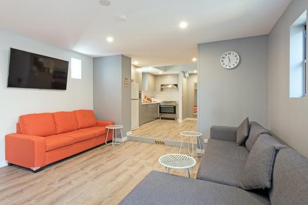 Hotel Pictures: KoKo's Female Shared Accommodation, Sydney