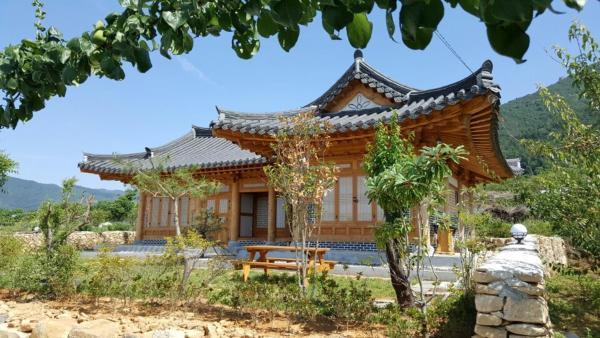 Zdjęcia hotelu: MyeongGa Hanok Pension, Suncheon