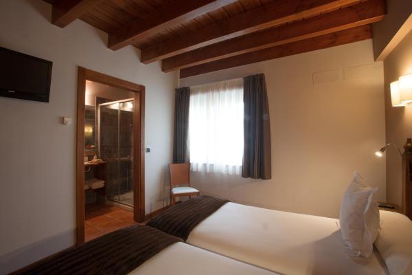 Hotel Pictures: Hotel-Apartamento Rural Atxurra, Bermeo