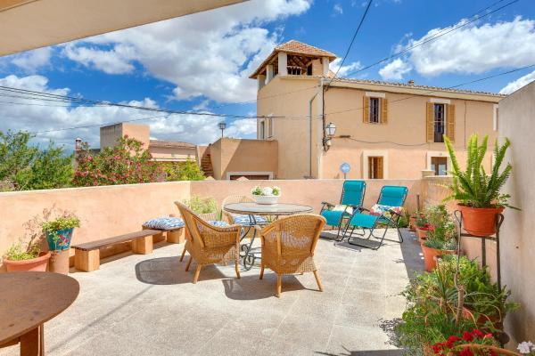 Hotel Pictures: Santa Eugenia Apartments, Santa Eugenia