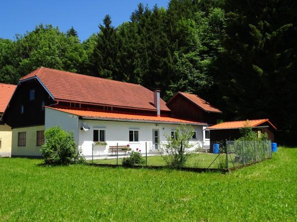 酒店图片: Haus im Grünen - Gmundennähe, Pinsdorf