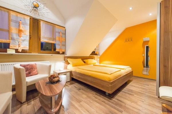 Hotel Pictures: Weingut Karl Braun, Nordheim