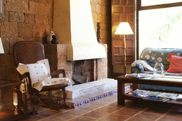Hotel Pictures: Hospedería Santiago, Chiclana de la Frontera