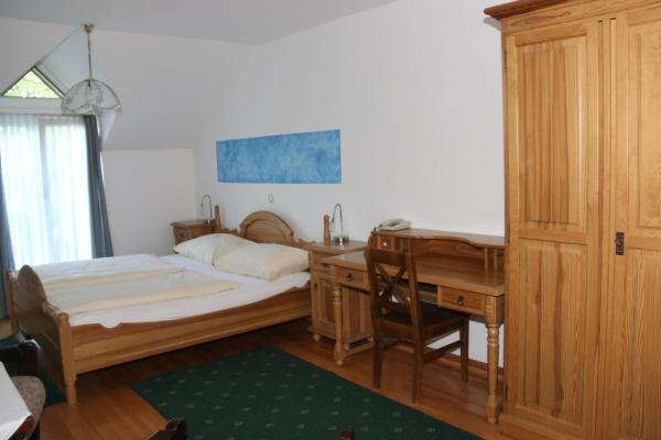 Hotel Pictures: Hotel-Garni & Hostel Sandwirt, Bad Ischl