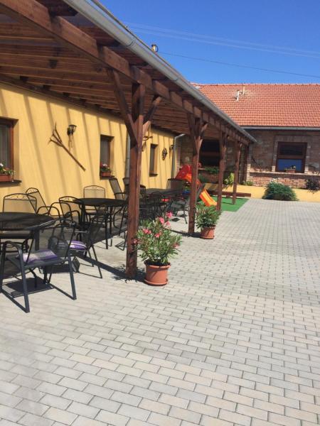 Hotel Pictures: Sedlecky Dvur, Sedlec
