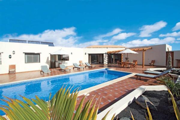 Hotel Pictures: Casa Verde, Lajares