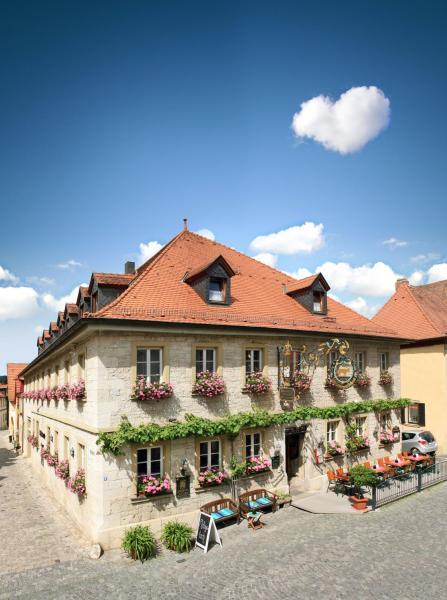 """Hotel Pictures: Gasthof Hotel Weinbau """"Zum Goldenen Ochsen"""", Sommerhausen"""