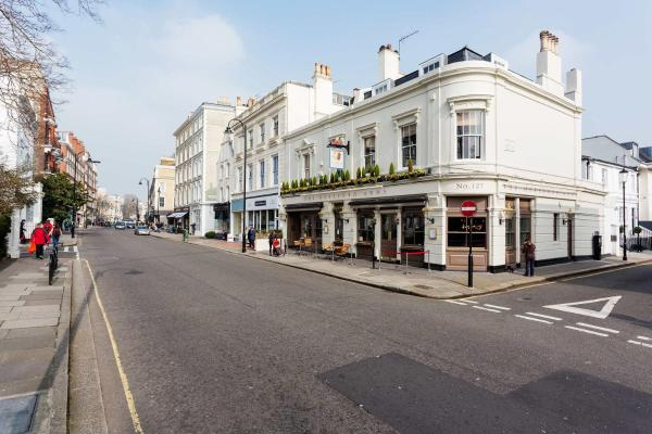 Hotel Pictures: Veeve - Rosary Place, London