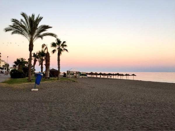Hotel Pictures: Apartamento nuevo 1ª linea de playa, Rincón de la Victoria