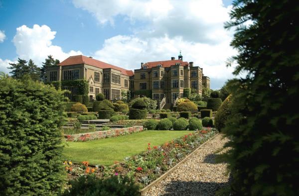 Hotel Pictures: Fanhams Hall, an Exclusive Venue, Ware