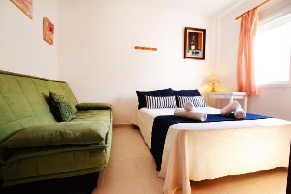 Hotel Pictures: Colonia 5 Apartment, Colonia Sant Jordi