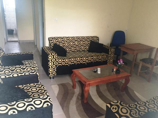 Hotel Pictures: V Guest House, Yaoundé