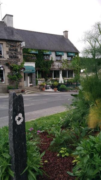 Hotel Pictures: Hôtel,restaurant, Saint-Gilles-du-Vieux-Marché