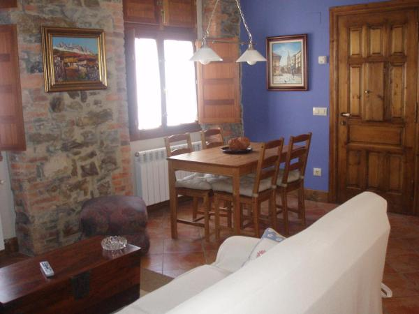 Hotel Pictures: Apartamentos Casa María Juanín, Collanzo