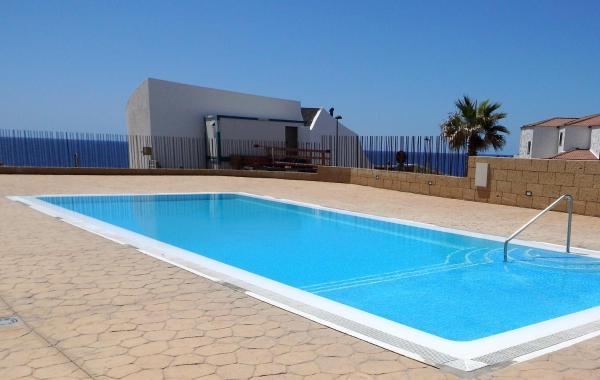 Hotel Pictures: Apartment Poris with sea view and pool, Poris de Abona