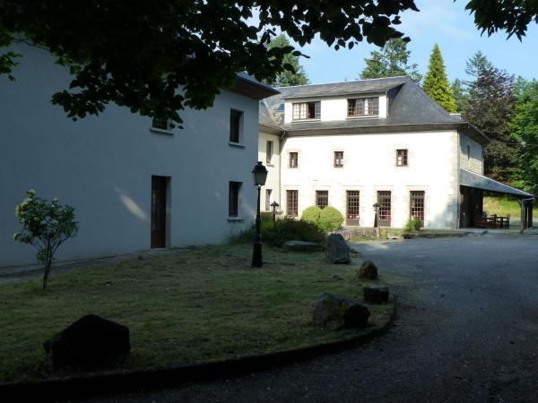 Hotel Pictures: Le Chatel, Combressol