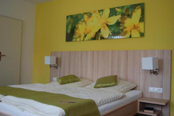 Hotel Pictures: Gasthof Linden & Wildkräuterhotel, Windelsbach