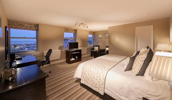 Hotel Pictures: La Fregate Hotel, St Peter Port
