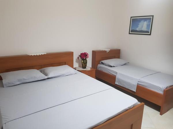 Fotografie hotelů: Ilir Guest House 1, Përmet