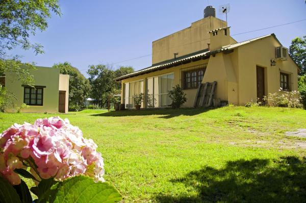 Foto Hotel: Cabañas Las Hortensias, La Caldera