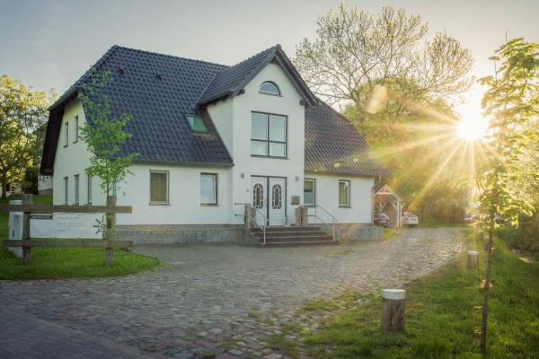 Hotel Pictures: Kojenhaus, Krummin