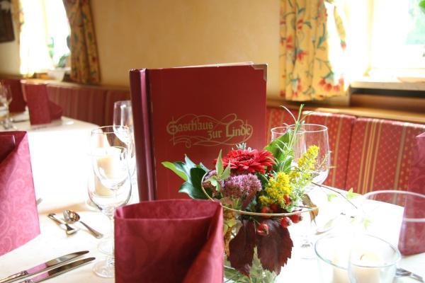 Hotelbilleder: Gasthaus zur Linde, Hohenpolding