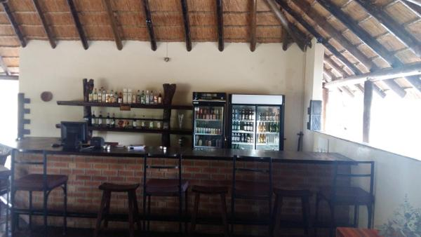 Hotel Pictures: Mochaba Crossing Lodge, Maun