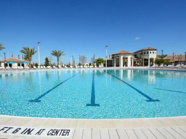 Hotellbilder: Championsgate Five Bedroom House with Private Pool W1F, Davenport