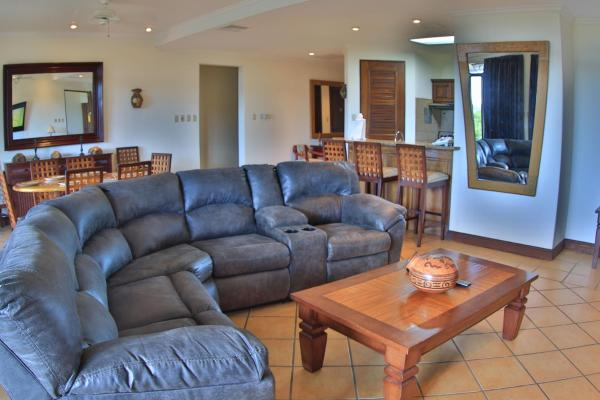Hotel Pictures: Bouganvillea 8105, Playa Conchal