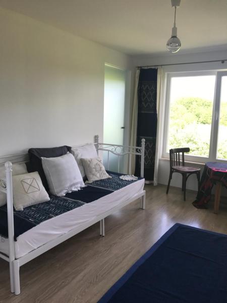 Hotel Pictures: Aavikunurga Guesthouse, Laimjala