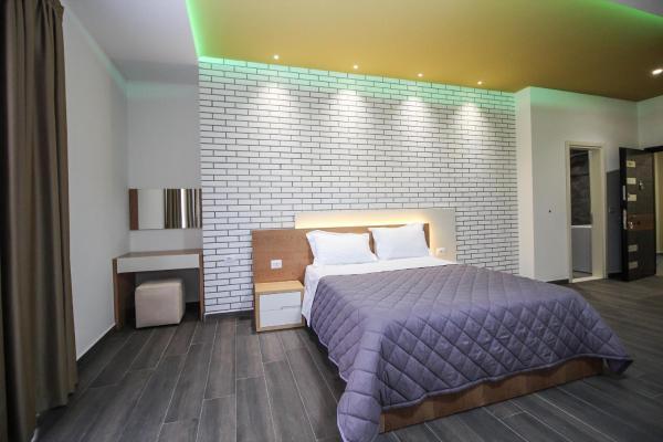 Hotel Pictures: Sunrise Apartments, Gjashtë