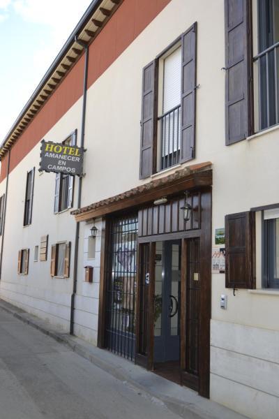 Hotel Pictures: Amanecer en Campos, Población de Campos