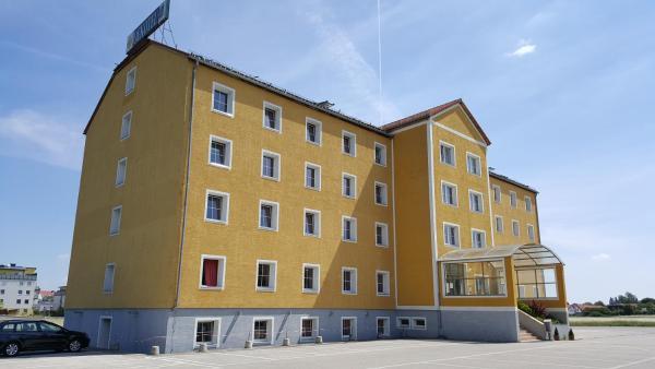 Foto Hotel: Oekotel Traiskirchen, Traiskirchen