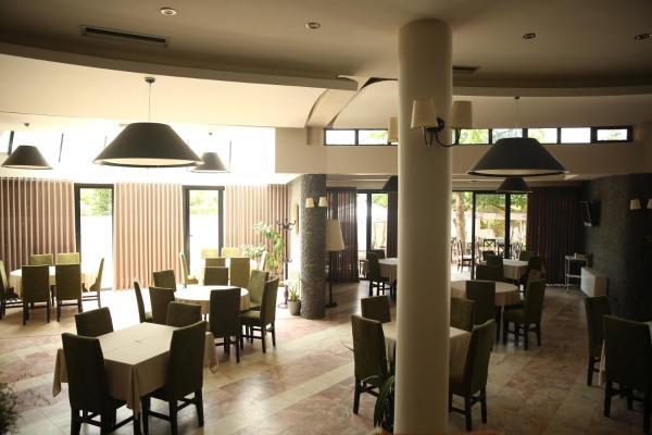 """Photos de l'hôtel: """"Sirena"""" Hotel, Tushemisht"""