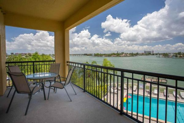 Hotel Pictures: 210 - Palms of Treasure Island, St Pete Beach