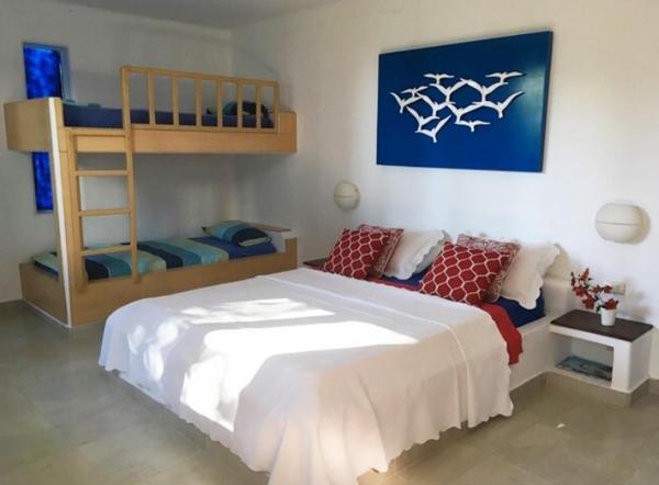 Hotel Pictures: Mediterranean Beachfront House, Olón