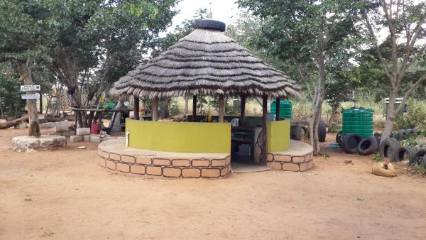 Hotel Pictures: Bananyana Backpackers Camp, Kasane